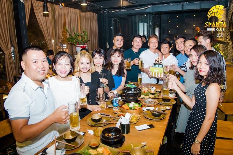 Nhà hàng tổ chức liên hoan tại Hà Nội 1