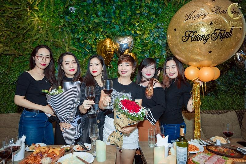 Quán cafe tổ chức sinh nhật Trixie