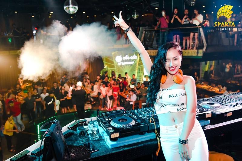 Địa điểm tổ chức sinh nhật tại Hà Nội Sparta Beer Club 12