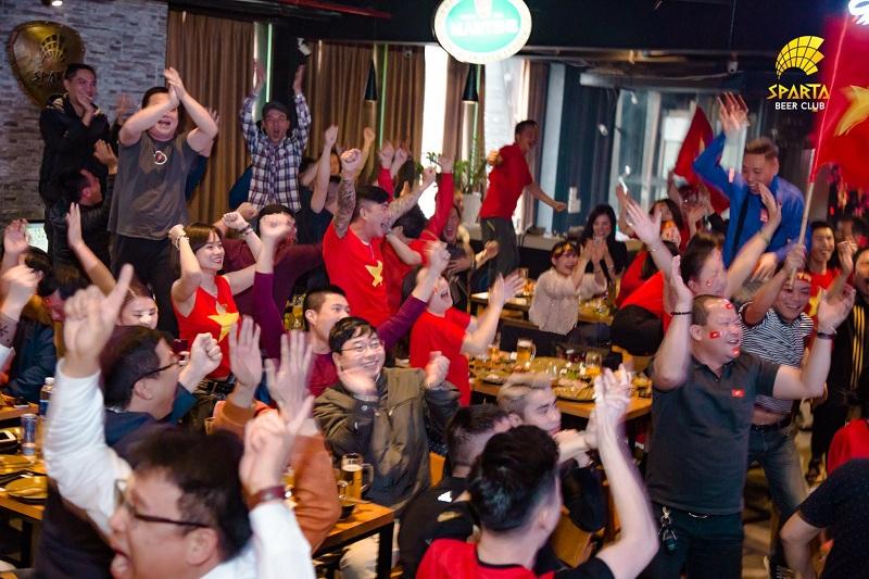 Quán bia xem bóng đá Hà Nội Sparta Beer Club 6